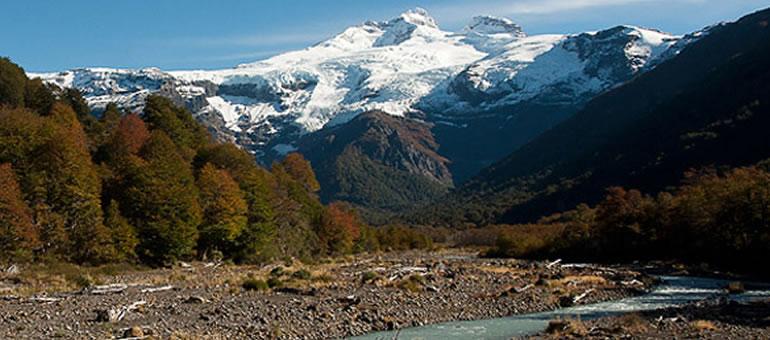 Cerro Tronador y Pampa Linda: recorrido para los sentidos