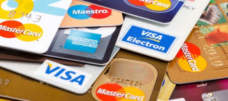 ¿Se puede alquilar un vehículo sin tarjeta de crédito?